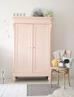 Awesome Scandinavian wardrobes for your kids' bedroom decor .- Awesome Scandinavian wardrobes for your kids' bedroom decor Bedroom Furniture, Bedroom Decor, Wall Decor, Furniture Ideas, Pastel Furniture, Wardrobe Furniture, Playroom Decor, Furniture Design, Deco Kids