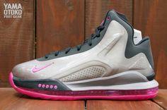 Nike Hyperflight Max: Metallic Pewter/Pink Foil/Black
