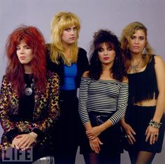 The Bangles. Susannah Hoffs - for real. and the band mate on the right (stage left). The other two have WAAAY too much BAD hair for my liking. Did I mention Susannah Hoffs? Susanna Hoffs, 80s Music, Rock Music, The Bangles Band, Style Année 80, 1980s Style, Michael Steele, 80s Hair Bands, Women Of Rock