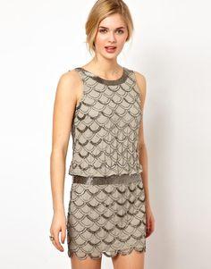 Frock and Frill | Vestido de cintura caída con adornos ondulados de lentejuelas de Frock and Frill en ASOS
