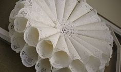 Paper Dolly Wreath T