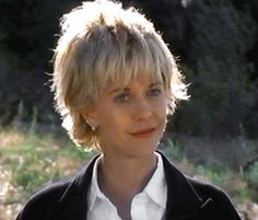 Meg Ryan with Short Cool Blunt Easy Hairstyle in French Kiss