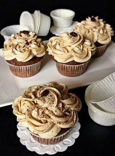 Gesztenyés muffin kávékrémmel - Kifőztük, online gasztromagazin Sweet Desserts, No Bake Desserts, Vegan Desserts, Dessert Recipes, Torte Cake, Hungarian Recipes, Hungarian Food, Vegan Kitchen, Sweet Cakes