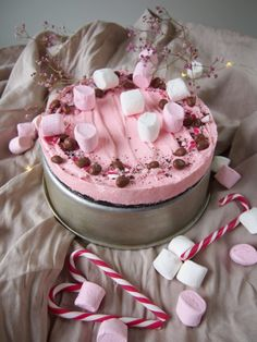 Piparminttupiiras - Joulukalenteri luukku 1 - Dr. Sugar Sweet Pastries, Christmas Treats, Let Them Eat Cake, Cheesecakes, Yummy Cakes, Oreo, Peppermint, Cake Decorating, Food And Drink