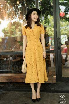 #yellow #yellowdress #polkadots #polkadotdress #dresses #mididress #modestdresses Modest Dresses, Modest Outfits, Simple Dresses, Classy Outfits, Modest Fashion, Pretty Dresses, Beautiful Outfits, Dress Outfits, Casual Dresses