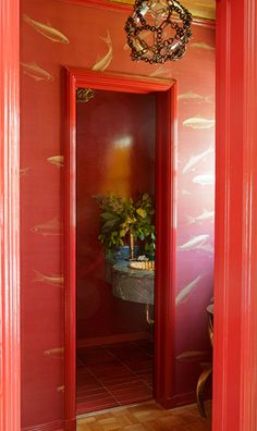 Colors like gold and red really make a standout room // Statement Bathrooms