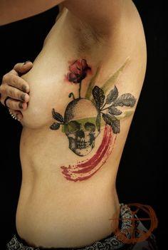 Koray Karagozler's tattoo with water color technique.  #tattoo #ink #inkedgirl #skull #watercolor