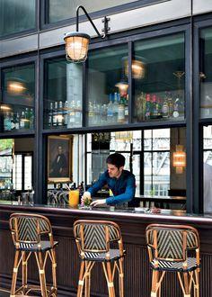 34 Awesome Beer Garden Ideas to Enjoying Your Day - decorisme Bistro Design, Cafe Design, Design Design, Design Bar Restaurant, Cafe Restaurant, Restaurant Interiors, Cafe Industrial, French Bistro, Hospitality Design