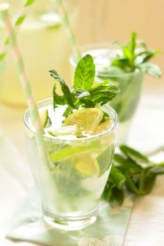 Mojito Cocktail Drinks, Cold Drinks, Alcoholic Drinks, Beverages, Cocktails, Mojito, Sangria, Whisky, Panna Cotta