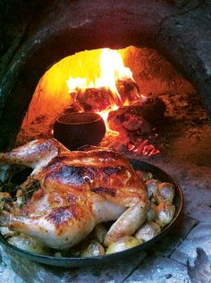 Wood Oven, Wood Fired Oven, Oven Roasted Chicken, Oven Chicken, Fire Cooking, Oven Cooking, Oven Recipes, Cooking Recipes, Pizza Recipes