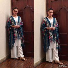 Pakistani Party Wear Dresses, Pakistani Wedding Outfits, Pakistani Dress Design, Ayeza Khan, Pretty Dresses, Beautiful Dresses, Awesome Dresses, Casual Dresses, Summer Dresses