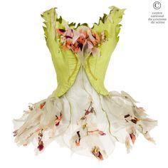 Une fleur   CNCS par Lamone, pour le ballet de Casse-Noisette chorégraphié par Michel Rayne, 1965, Opéra-Comique de Paris