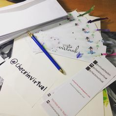Na minha mesa estão os marcadores dos parceiros devidamente endereçados!!! Agora só falta postar no correio! #desafioprimeira #bookmark #blogliterario #booktuber #lettering #instasqd #blogsdaliga #checkinvirtual