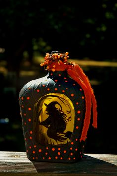 Here's a Crown Royal bottle that I painted with a cool old witch flying through the trees on one side- the trees of the forest on the back - clear pai Liquor Bottle Crafts, Halloween Potion Bottles, Wine Bottle Art, Painted Wine Bottles, Painted Wine Glasses, Glass Bottles, Liquor Bottles, Crown Royal Bottle, Crown Royal Bags