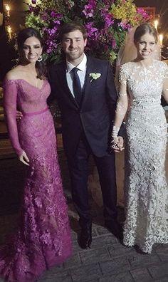 Carol Celico posa com os noivos (Foto: Reprodução/Instagram)