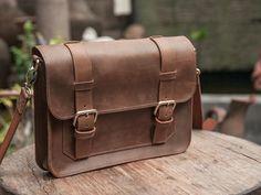 """MacBook cas 15"""" cuir MacBook Messenger Bag, sac MacBook, MacBook Air cas, besace en cuir vieilli - liste #022"""