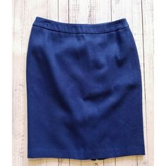 Apt. 9 colbolt skirt Blue business skirt, light worn, fully linned Measurements laying flat: Waist just over 15 inches  Waist to hem 21.5 inches  100% acrylic  Lightly worn Apt. 9 Skirts Midi
