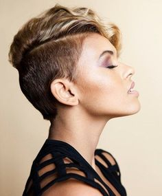 20 different versions of the pixie. Modish and stunning pixie cut suitable for all face shape and hair texture. Short Wavy Pixie, Short Pixie Haircuts, Short Hair Cuts, Pixie Cuts, Curly Pixie, Asymmetrical Pixie, Short Shaved Hairstyles, Short Hairstyles For Women, Cool Hairstyles