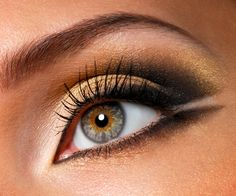 Golden Eye Makeup for Hazel Eyes