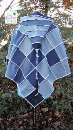 Denim Poncho Upcycled aus recycelten Jeans. Freie Größe. Jean