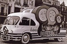 Built for the 1953 Tour de France, this vehicle was created on a Renault R2165 base, 1953