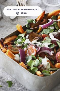 Vegetarische shoarmaschotel - Chickslovefood Delicious vegetarian shawarma dish that is on the table Kohlrabi Recipes, Pureed Food Recipes, Veggie Recipes, Vegetarian Recipes, Healthy Recipes, I Love Food, Good Food, Yummy Food, Healthy Foods To Eat