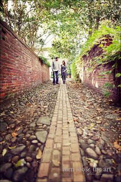 Old Town - totally have to find this alley way. I'll go and look for it! Babies Photography, Couple Photography, Engagement Photography, Fall Engagement, Engagement Pictures, Engagement Shoots, Old Town Alexandria, Autumn Aesthetic, Wedding Photo Inspiration