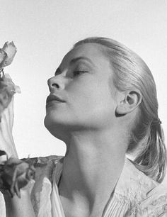 Grace Kelly by Peter Basch, 1958 Classic Beauty, Timeless Beauty, Princesa Grace Kelly, Monaco As, Grace Kelly Style, Patricia Kelly, Glamour Photographers, Old Movie Stars, Amazing Grace