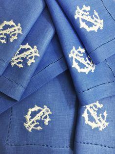 Francesca Signature Colour monogrammed linen napkins. www.bellalino.com