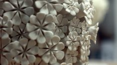 Les fleurs de porcelaine de Vanessa Hogge  2Tout2Rien