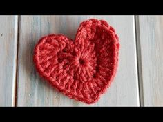 How to Crochet a Heart - YouTube. ❤CQ crochet hearts valentines thanks so xox ☆ ★ https://www.pinterest.com/peacefuldoves/