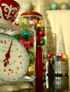 Christmas / Decorate every room, even the kitchen.