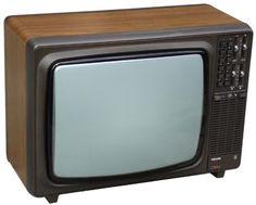 Dit was onze eerste tv! Een kleurentelevisie..zonder afstandsbediening en met beeldbuis!