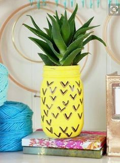 Pineapple mason jar