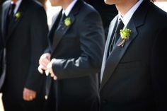 Die Trauzeugenrede zu halten ist eine Ehre. Wir zeigen euch, wie die Hochzeitsrede der Trauzeugen der absolute Erfolg wird. Mit Beispielen und Tipps.