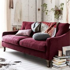 11 Living Room Color Schemes You Can Use To Transform Your Home - Jeddi Actually Burgundy Couch, Burgundy Living Room, Purple Couch, Pink Sofa, Living Room Green, Living Room Sofa, Home Living Room, Living Room Furniture, Living Room Decor