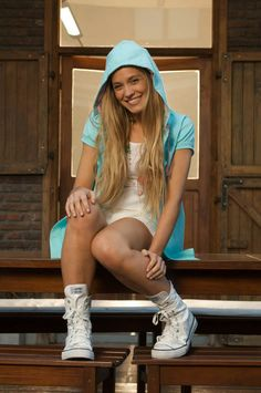 Rocío Igarzábal - Actriz y Cantante Queens, Celebs, Celebrities, Bucket Hat, Fashion, Singers, Actresses, Celebrity, Girls
