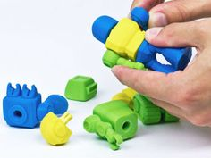 3D-printed toy robots are the first step towards the machine uprising #3dPrintedToys