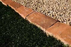 Advice, techniques, also manual in pursuance of receiving the best result and creating the optimum perusal of Deck Landscaping Ideas Flower Bed Edging, Flower Beds, Types Of Soil, Types Of Plants, Lawn And Landscape, Landscape Design, Mulch Landscaping, Landscaping Ideas, Mulch Ideas