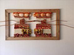 Telar mural Weaving Art, Tapestry Weaving, Loom Weaving, Creative Textiles, Woven Wall Hanging, Yarn Needle, Fabric Art, Textile Art, Mini