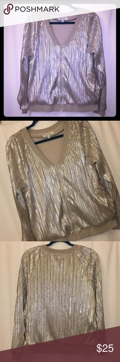 """NWOT Metallic GOLD bomber 💛 NWOT gorgeous metallic gold bomber from Francescas. Taupe/tan sweatshirt details at V neck, hem and wrists. Thick quality fabric. Perfect relaxed fit.    Length 24.5"""" Bust 40"""" Arm length 19"""" under / 28"""" over Francesca's Collections Jackets & Coats"""