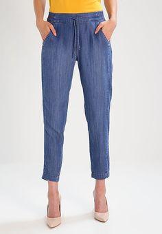 dec70de84d85 Jeans relaxed fit - light blue denim. Köp Cartoon ...