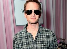 Casual Cool » Actor Neil Patrick Harris gets comfortable with Hugo Boss Black aviator style B0317/S from Sàfilo Group.