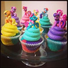 My little pony cupcakes : The Perfect Mix @ Pakenham. Substitute magnifying glasses for ponies to make them spy cupcakes. My Little Pony Party, Cupcakes My Little Pony, Fiesta Little Pony, Anniversaire My Little Pony, Fete Emma, Macaron, Birthday Party Themes, Cake Birthday, Birthday Ideas