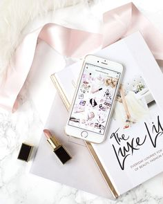 Make Cash With Your iPhone Dslr Photography Tips, Flat Lay Photography, Iphone Photography, Branding, Flat Lay Inspiration, Flatlay Styling, Everything Pink, Insta Photo, Blogger Tips