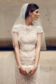 Gorgeous lace wedding gown and veil http://rstyle.me/n/d9eb7nyg6