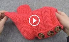 Hello ladies with a magnificent model is the most sought-after and the most popular knitting model of the new season home-made boat video narration. Crochet Slipper Boots, Knitted Slippers, Crochet Shoes, Knitting Socks, Baby Knitting, Crochet Ripple, Hello Ladies, Learn How To Knit, Arm Warmers