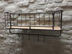 Zwaar metalen met houten wandrek 1 legplank 5 haken handdoekenrek schap kapstok landelijk industrieel