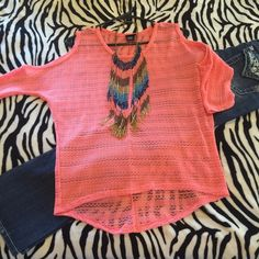 NEW Rue 21 off the shoulders Top!!! ☀️Rue 21 off the shoulders top is NEW without the tags! Super cute for this Spring/Summer!!! This adorable would look cute paired up with any pair of jeans or capris! ☀️ Rue 21 Tops Tunics
