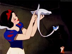 Snow White's flawless crust-trimming. | 21 Oddly Satisfying Disney Moments